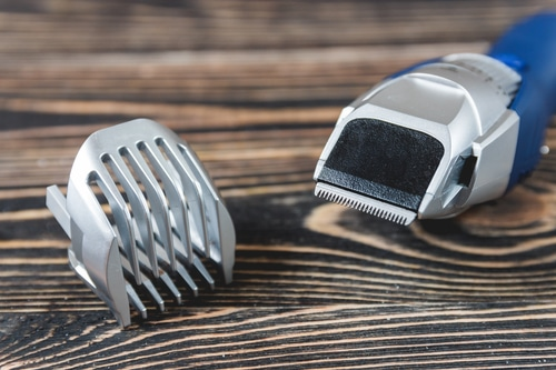how-to-use-beard-trimmer-attachments
