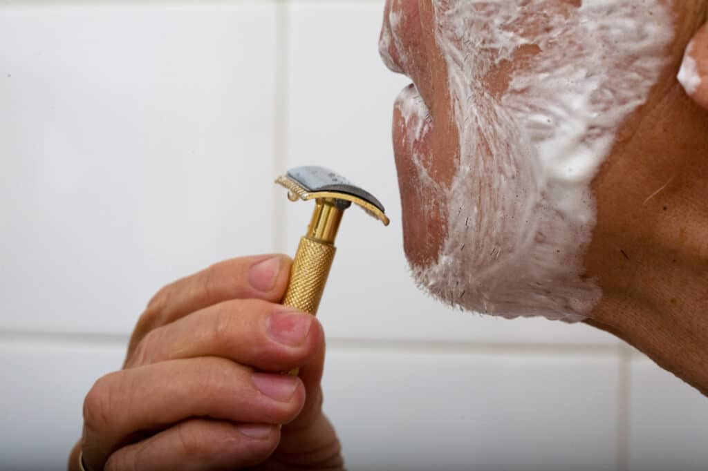 can-shaving-cause-bald-spots-2