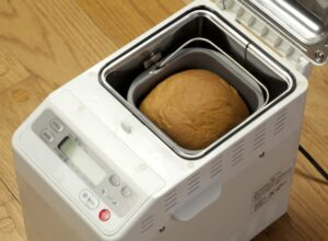 using-a-loaf-machine-at-home-768x564
