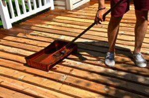applying a wood varnish