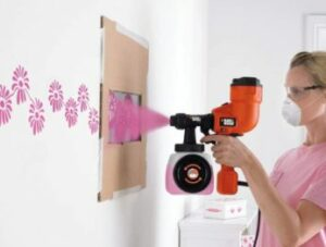 designing-a-wall-with-a-paint-sprayer