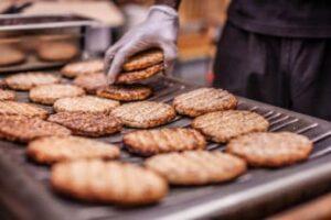 grilling-burger-patties