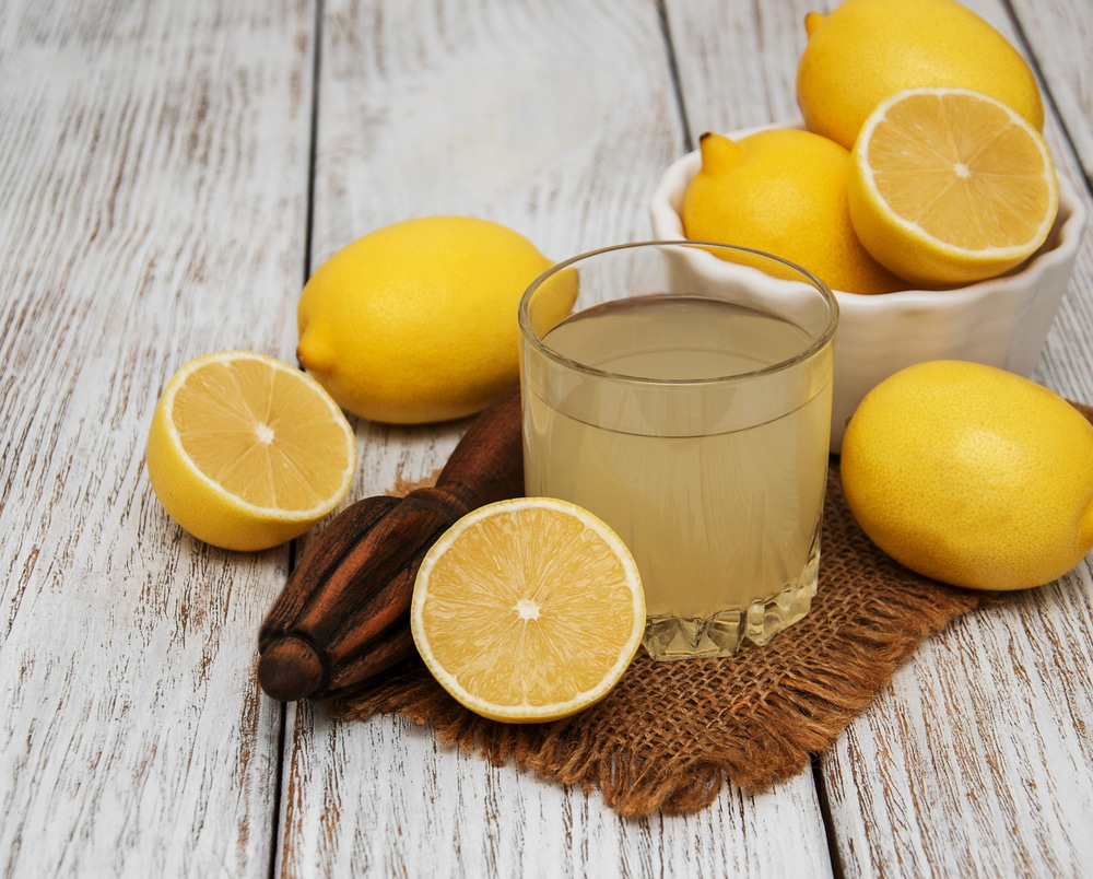 how to juice a lemon without a juicer