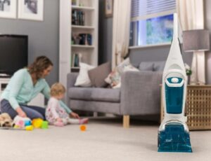 machine for cleaning rugs in living room