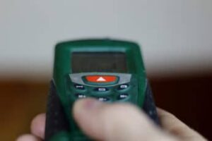 measuring distance using electronic meter
