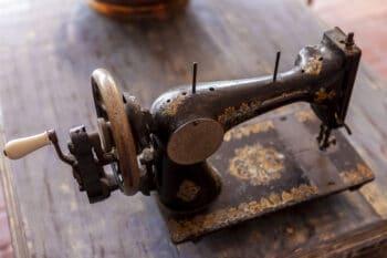 antique stitching device