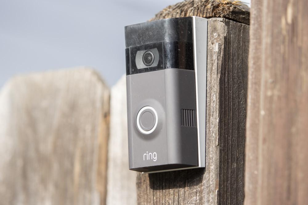 how do wireless doorbells work