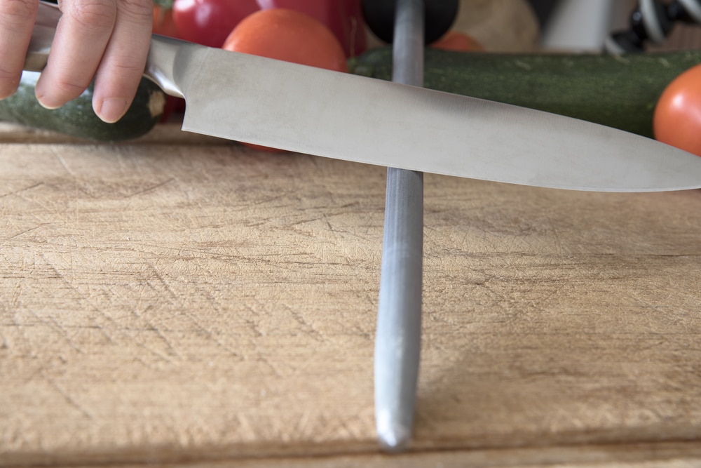 how to sharpen kitchen knives
