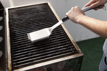 cleaning grilling equipment