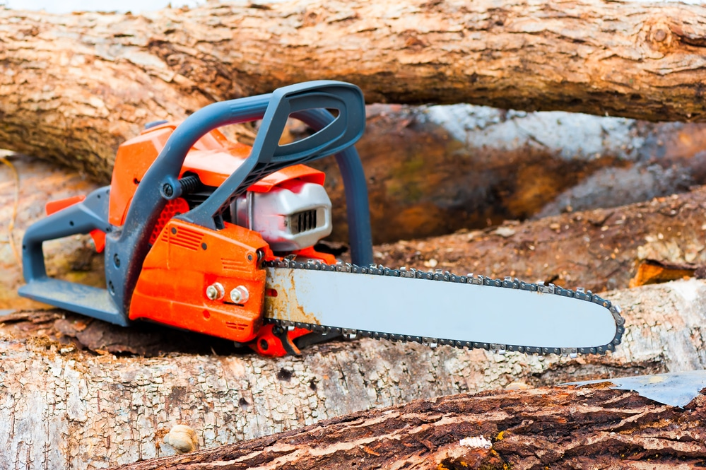 how to replace the chain on an electric chainsaw