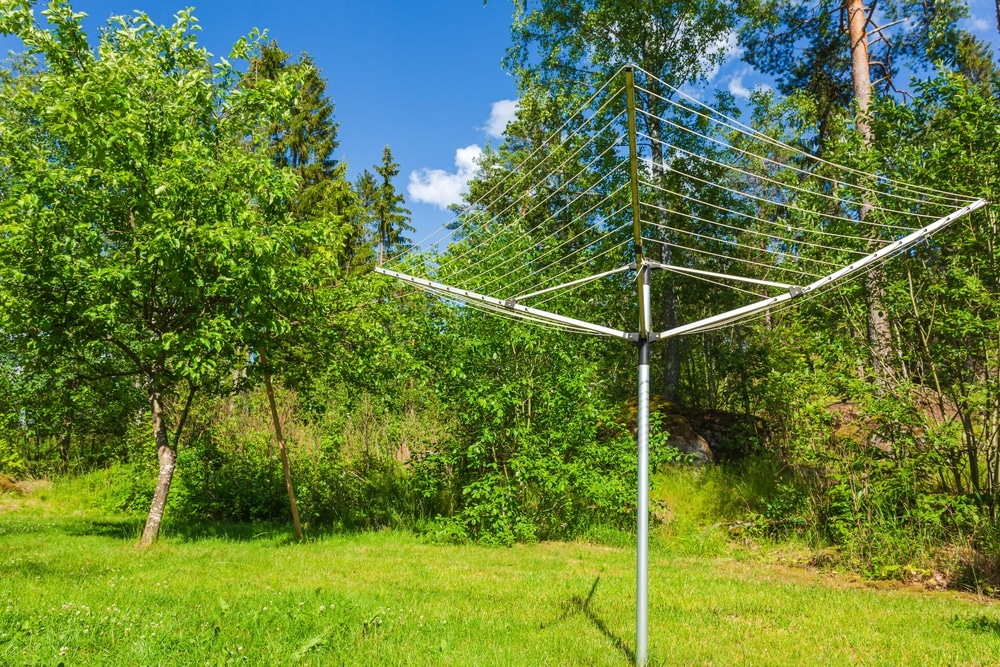 How to Put Up a Rotary Washing Line