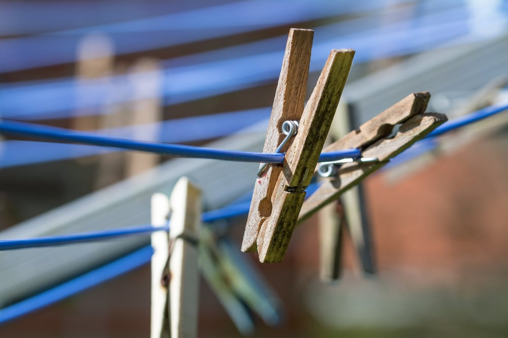 How to Tighten a Rotary Washing Line