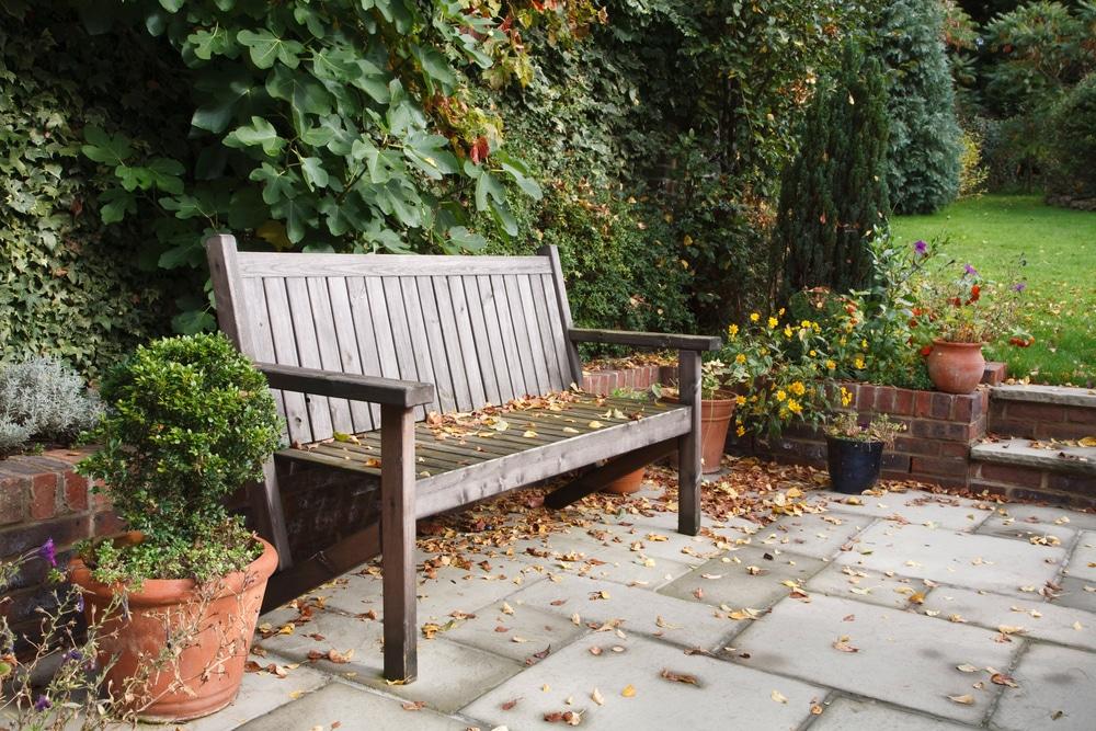 how to restore a wooden garden bench